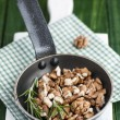 Roasting walnuts — Stock Photo