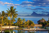 Ocean at sunset. Polynesia. Tahiti. — Stock Photo