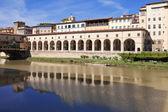 Italy. Florence. Gallery near Ponte Vecchio Bridge — Stock Photo