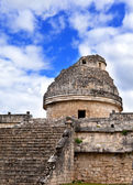 Ancient observatory in Chichen Itza, Mexico — Stock Photo