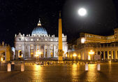 Full moon. The star sky over Saint Peter's Square. Italy. Rome. Vatican — ストック写真