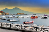 The ships in a bay of Naples, Italy, in the foggy morning — Stock Photo