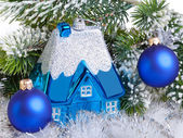 Dark blue New Year's ball and l house - New Year's dream of own hous — Stock Photo