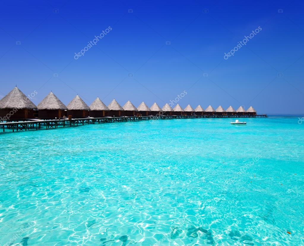 Case su palafitte sul mare. Maldive — Foto Stock © KKulikov #31222505