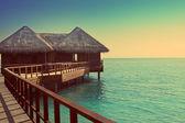 Hus över öppet tysta havet bevattnar — Stockfoto