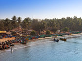 GOKARNA, INDIA - JANUARY 31: fishing boats in a bay in the Gokarna on January 31, 2014 in Karnataka, India. — Stock Photo
