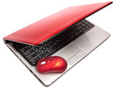 赤いコンピュータ マウスと赤のノート — ストック写真