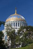 Ortodox sjö katedral av st nicholas i kronshtadt, sankt petersburg ryssland — Stockfoto