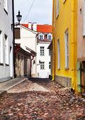 Old houses on the Old city streets. Tallinn. Estonia — Stock Photo