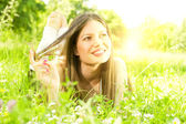 Beauty girl relaxing in nature — Stock Photo