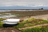 Boat at Low Tide in Normandy, France — Stock fotografie