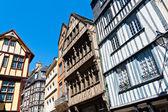 Domy w rouen, normandia, francja — Zdjęcie stockowe