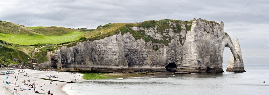 Cliffs of Etretat Panorama, Normandy, France — Stock Photo #13342528