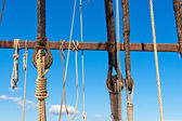 Sailboat wooden rigging, masting and ropes — Stock Photo