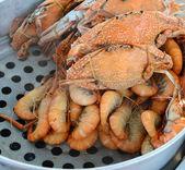 Crabs and prawns — Stock Photo