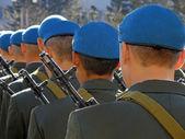 Paracaidistas desfilando — Foto de Stock