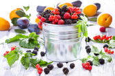 Fresh berries with leafs — Stock Photo