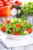 świeże sałatki z warzyw — Zdjęcie stockowe