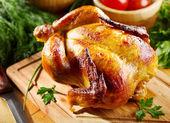 整个烤的鸡 — 图库照片