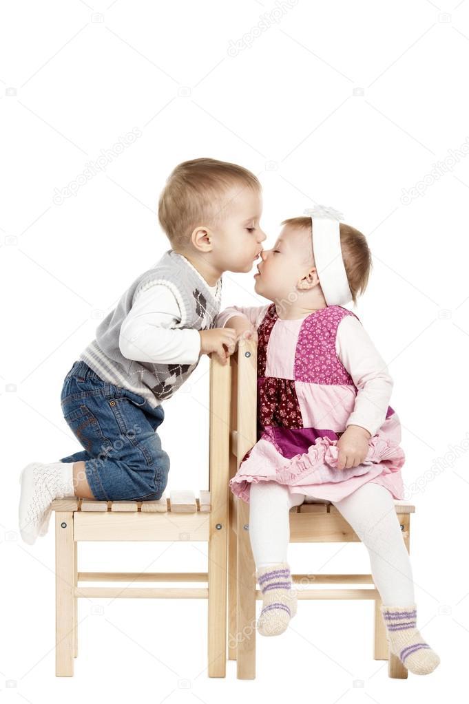 рисунки маленьких девочек и мальчиков