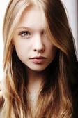Portrét krásné dospívající dívka — Stock fotografie