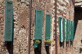 The narrow street in the Tuscan town — ストック写真