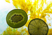 Lemon and kiwi fruit — Stock Photo