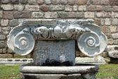 Kolumny jońskie kapitału, detalu architektonicznego — Zdjęcie stockowe