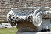 Ionian column capital, architectural detail — Stock Photo