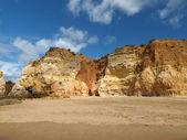 раздел идиллический пляж прайя-де-роша на регионе алгарве. — Стоковое фото