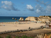A section of the idyllic Praia de Rocha beach on the Algarve region. — Stock Photo