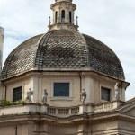 Rome - church of Santa Maria dei Miracoli in Piazza del Popolo — Stock Photo #19477145