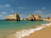 Playa de rocha, en la región del algarve. — Foto de Stock