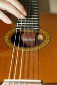 Close up van akoestische gitaar — Stockfoto
