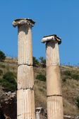 The Ionic column in the ancient Greek city Ephesus — Stock Photo