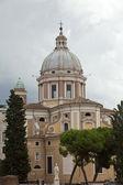 Rome - kerk van de heiligen ambrogio en carlo al corso — Stockfoto