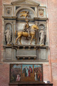 Medieval and Renaissance wall tombs in Santi Giovanni e Paolo, Venice — Photo