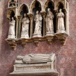 Medieval and Renaissance wall tombs in Santi Giovanni e Paolo, Venice — Foto de stock #27872517