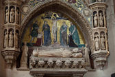Medieval and Renaissance wall tombs in Santi Giovanni e Paolo, Venice, — Stockfoto