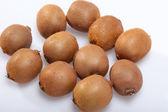 Plody kiwi izolovaných na bílém pozadí — Stock fotografie