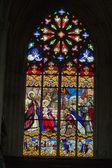 Vitráže katedrály svatého gatien v tours, francie. — Stock fotografie