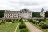 Garden and Castle of Chenonceau — Stock Photo