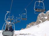 Lyžařská oblast v alpách — Stock fotografie