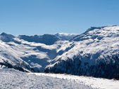 Skiing area in the Alps — Stockfoto