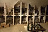 La cantina per la conservazione del vino nel castello valencay. Valle della Loira. Francia — Foto Stock