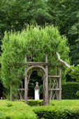 Gardens at Chateau Chenonceau in the Loire Valley of France — Foto de Stock