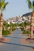 Alanya - Cleopatra beach. Long boardwalk bike path . turkey — Stock Photo