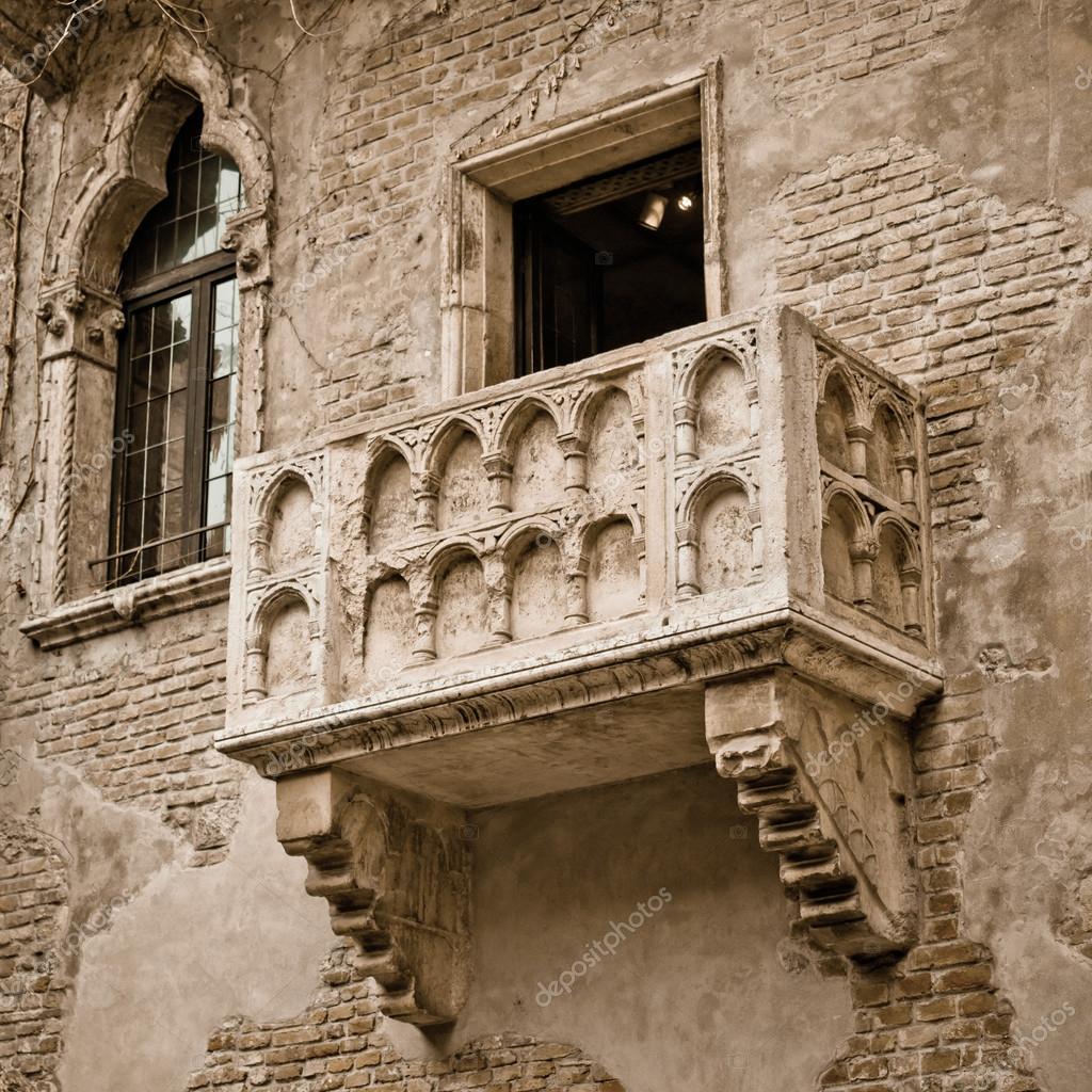 Briefe An Romeo Und Julia : Romeo und julia balkon — stockfoto csakisti