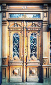 Old carved wooden doors. — Stock Photo