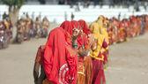 Ragazze indiane in abbigliamento etnico colorato — Foto Stock